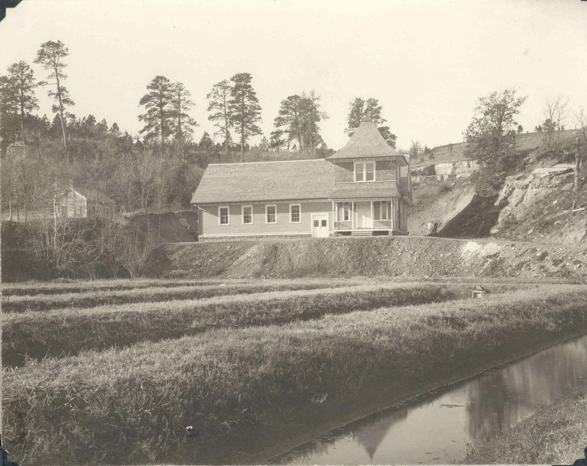1899hbrcwyss